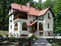 Villa, Villas