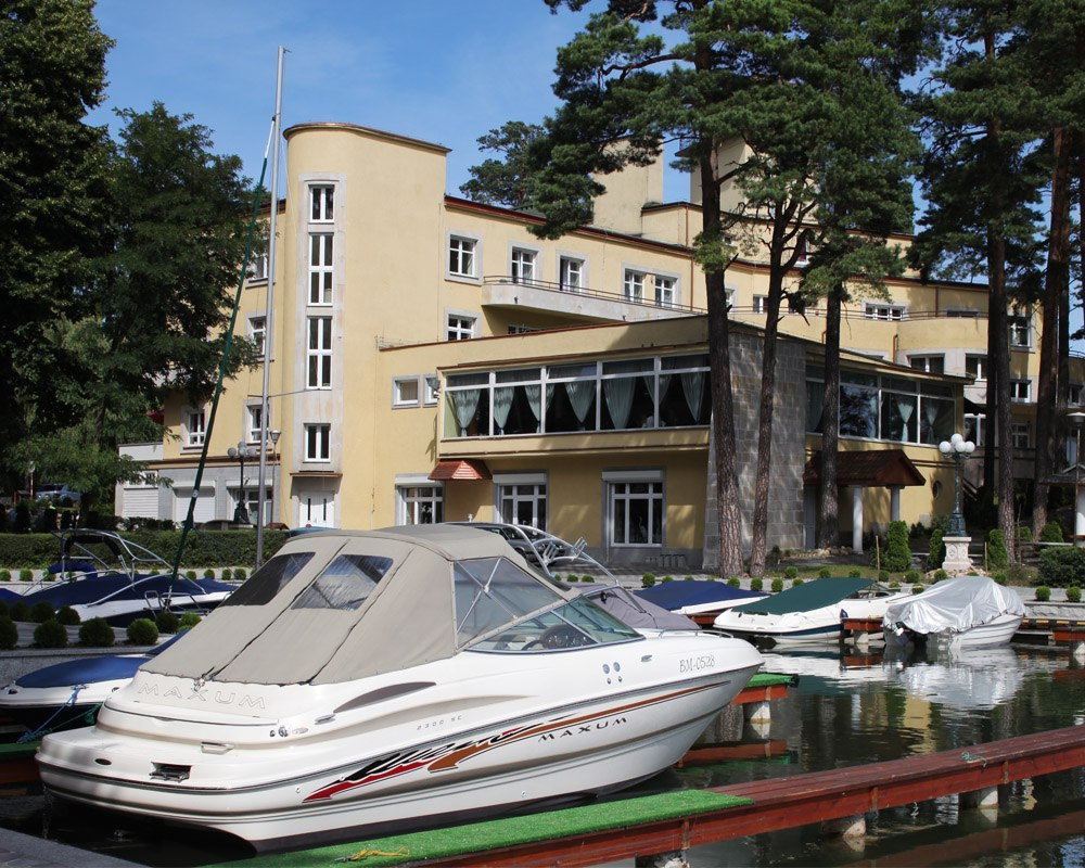 Oficerski Yacht Club Rp Pacyfik Al Kard Wyszyńskiego 1