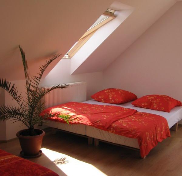 Pokoj z balkonem