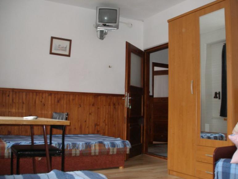 Pokój nr 11 (5 os)
