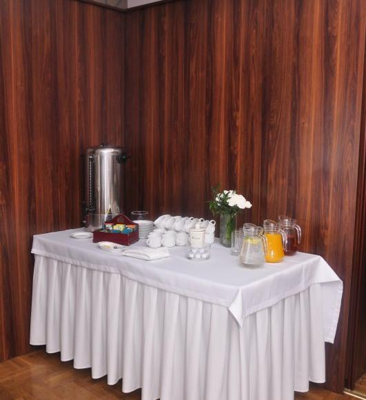 Hotel i Restauracja Pod Różami