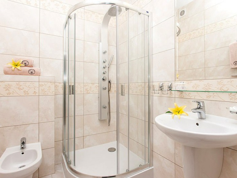 łazienka jest w każdym pokoju
