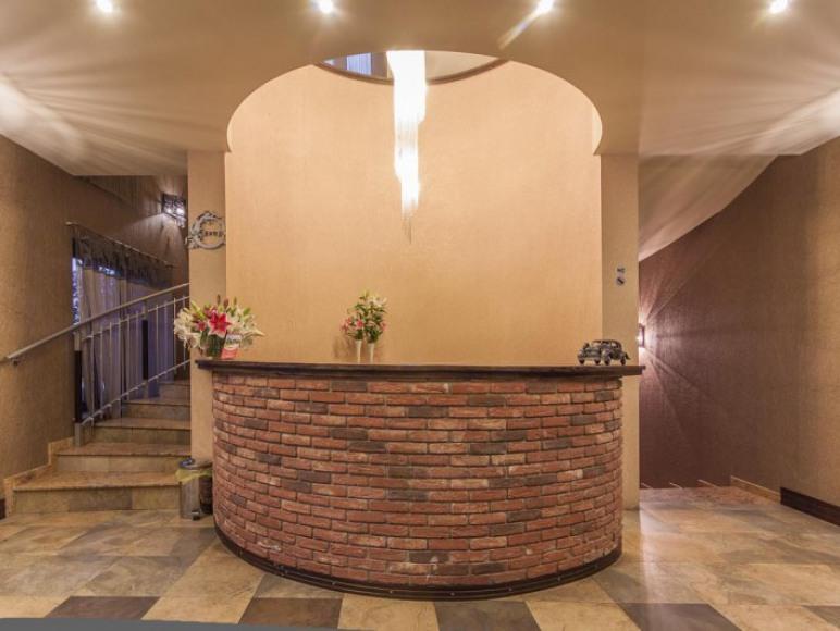 Kmicic Hotel & Restauracja