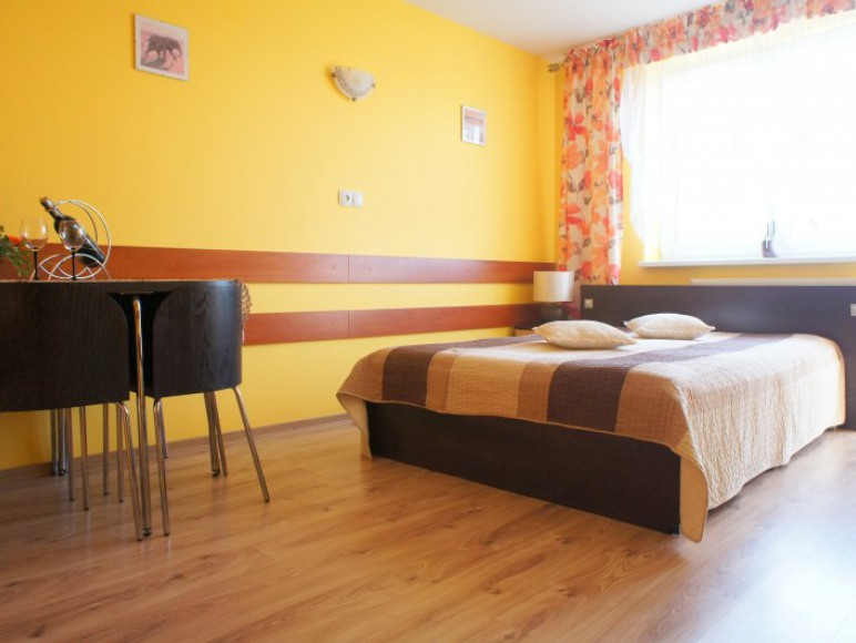 pokój z łóżkiem małżeńskim - I piętro