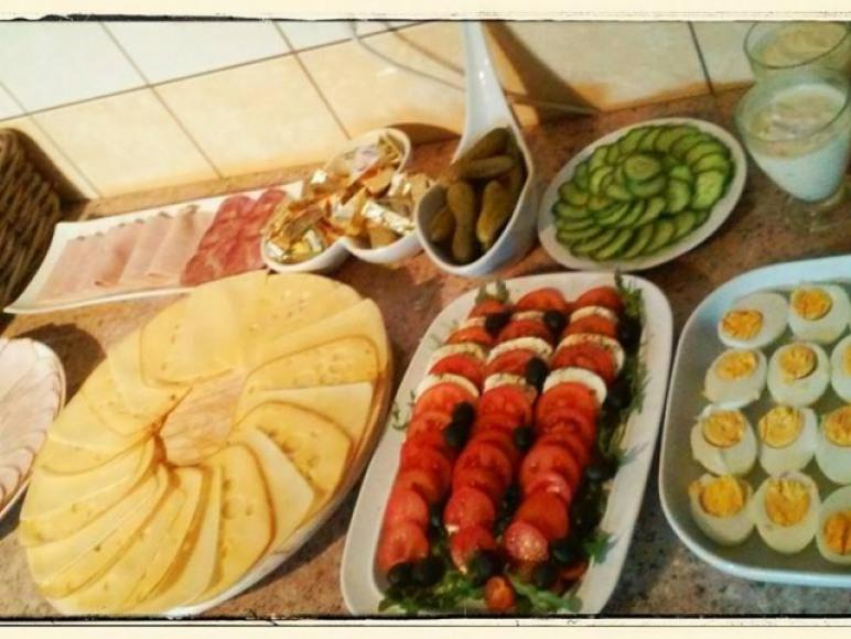 Śniadanie bufet szwedzki