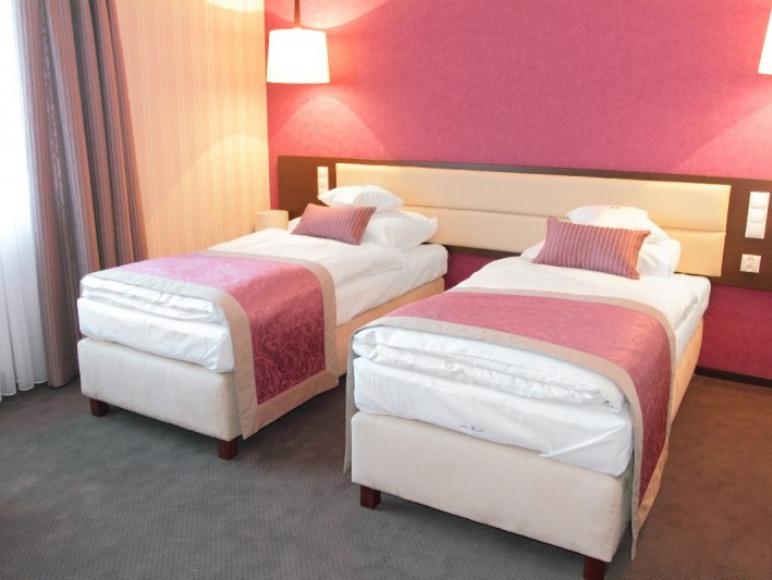 """Hotel """"Białowieski""""***"""