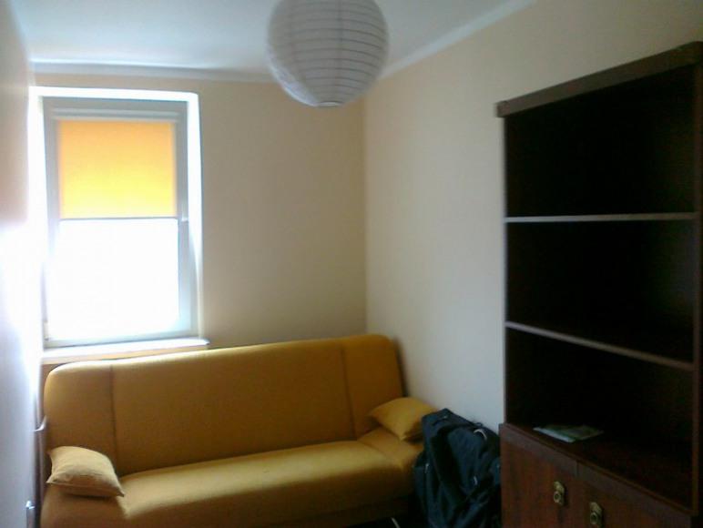 Mały pokój ( łóżko 2 osobowe i 1 osobowe)