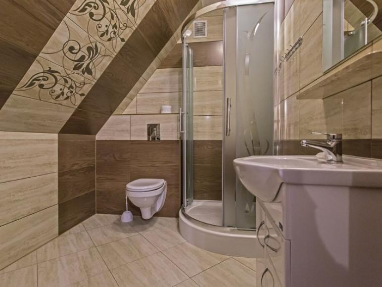 zd.9 - OW - Szarotka wystrój przykładowej łazienki w pokoju na I piętrze