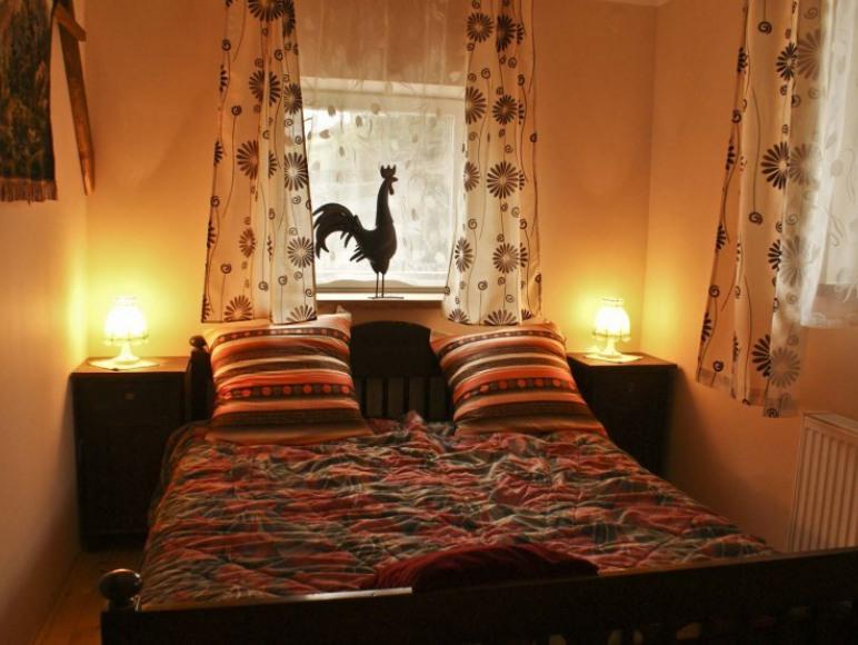 Sypialnia W Lawendowym