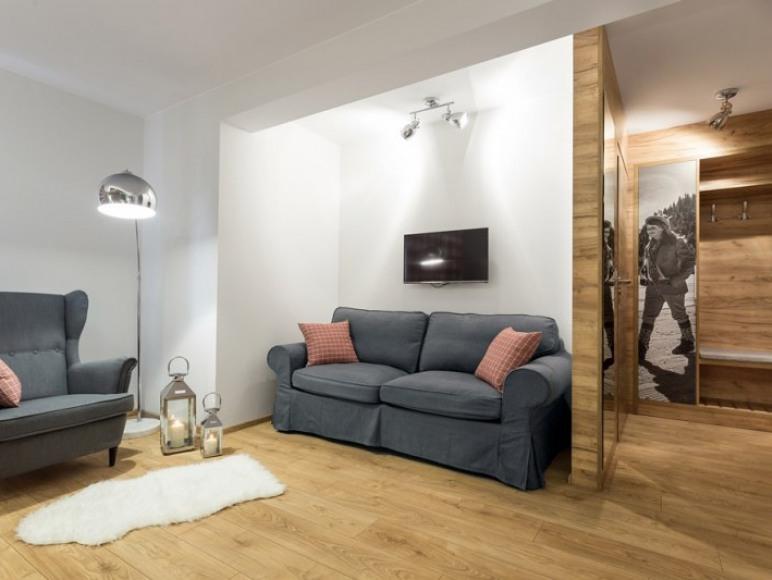 pokój 2-osobowy z rozkładaną sofą