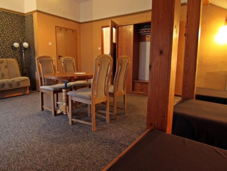 Pokoje gościnne AnMar: pokój nr 2 - 3-5 os. z łazienką