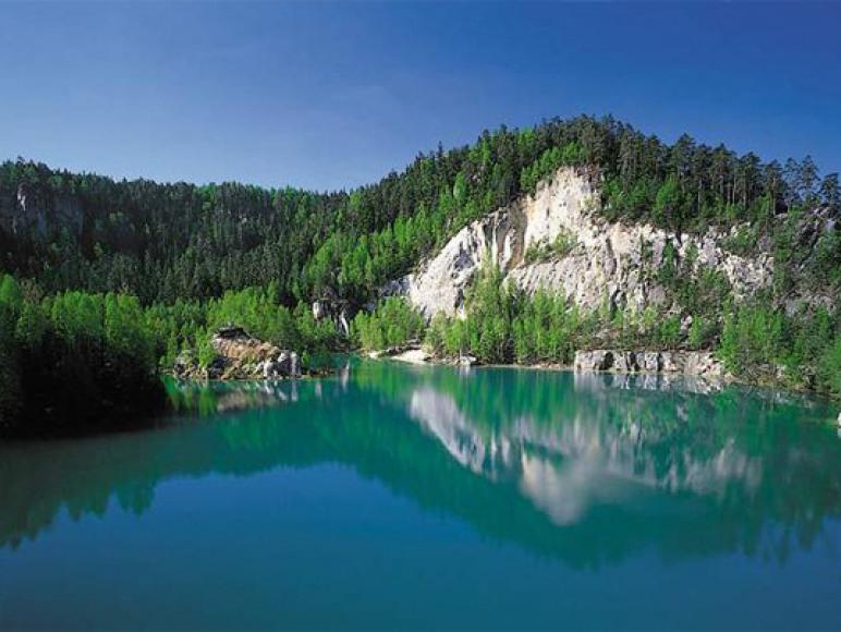 Jezioro w Skalnym Mieście