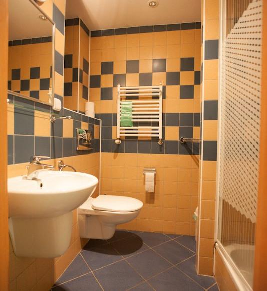 Tak wyglądają nasze łazienki. Czysto i komfortowo!