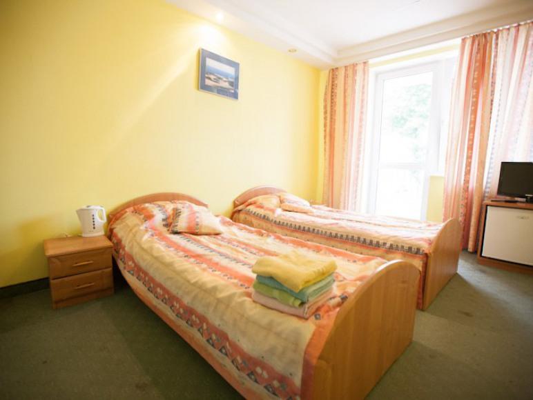 Pokój 2-osobowy z balkonem.