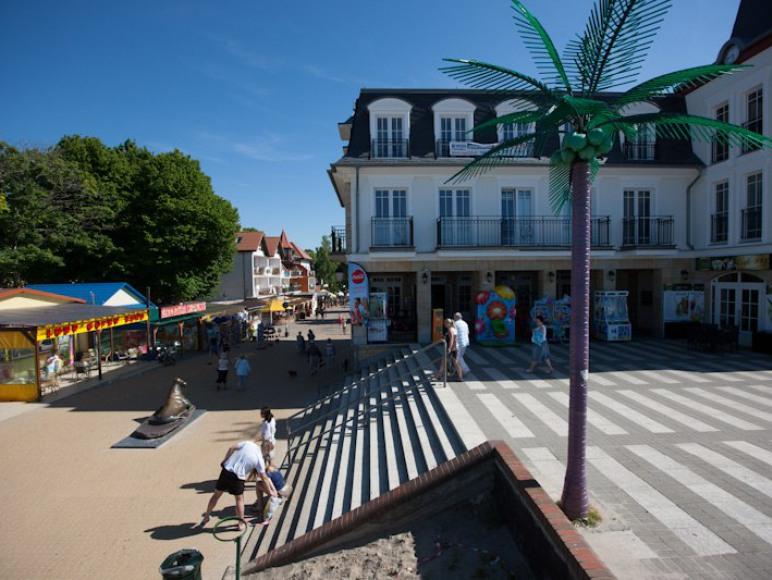 Główne wejście na plażę. Do KLIF-a jest ....25 metrów!