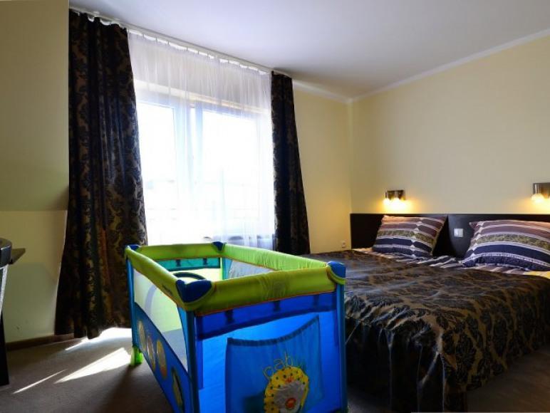 pokój 2 osobowy + łóżeczko dziecięce