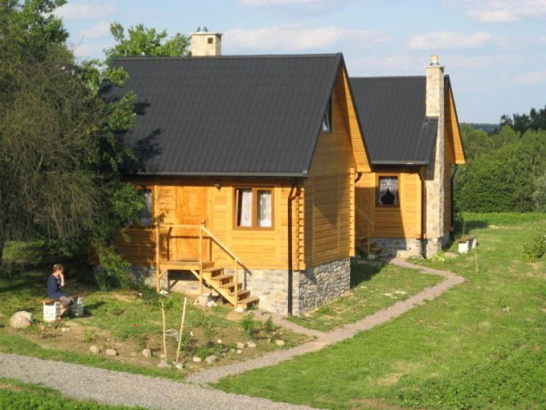 Drewniane domki z bali.