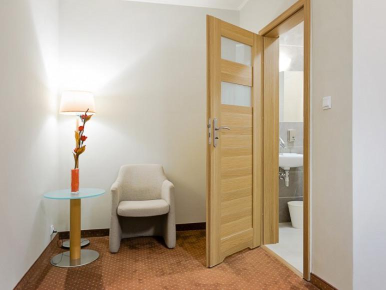 Malczewskiego 25. Hotel. Pokój 2-osobowy z łazienką.