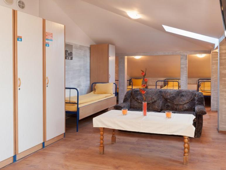 Malczewskiego 23. Hostel. Pokój 10-osobowy.