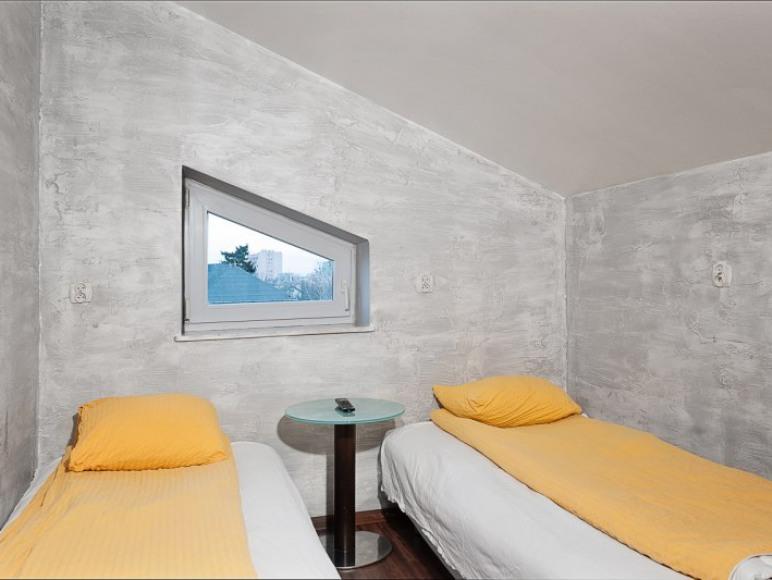Malczewskiego 23. Hostel. Pokój 2-osobowy.