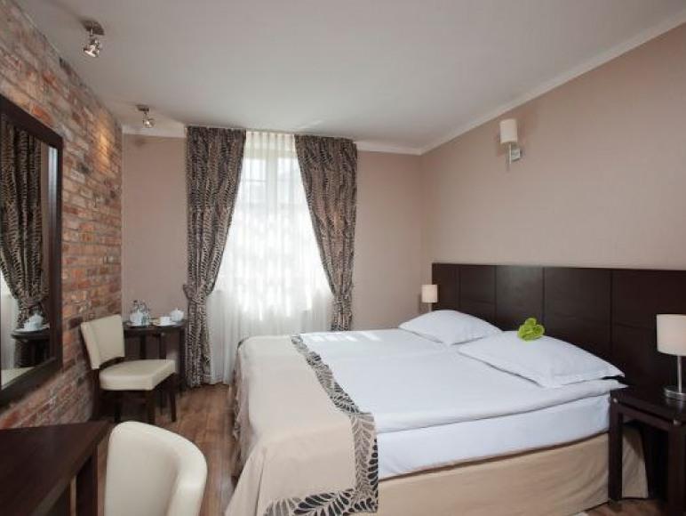 Bonum Hotel***