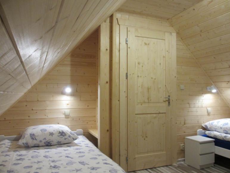Domek 2 - poddasze - jedna z dwóch sypialni