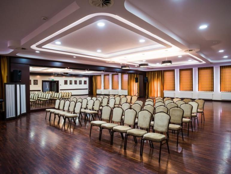 Średnia sala balowo-konferencyjna