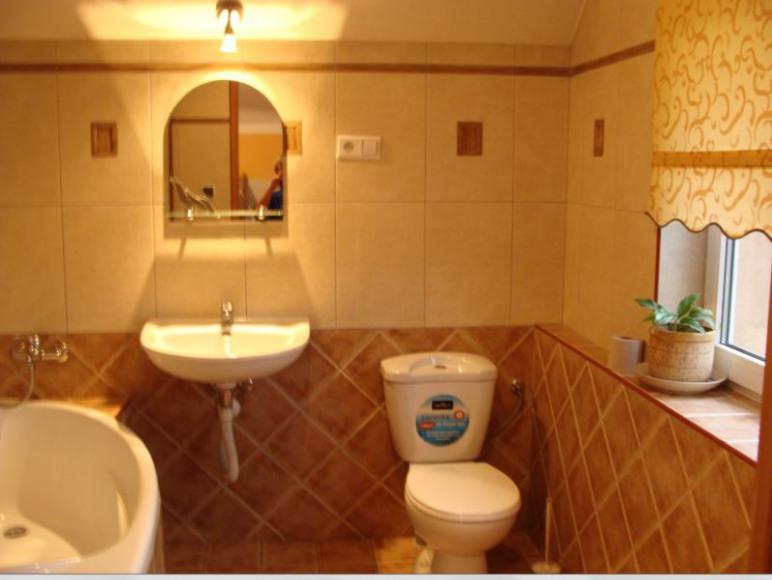 pokój 5 osobowy - łaziena