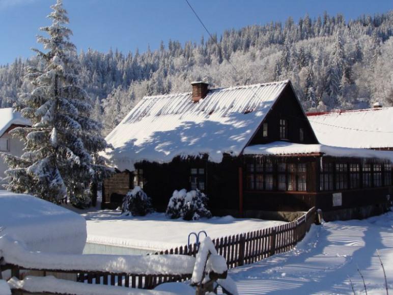 schronisko zimą