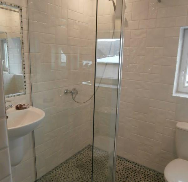 pokój nr 4 łazienka