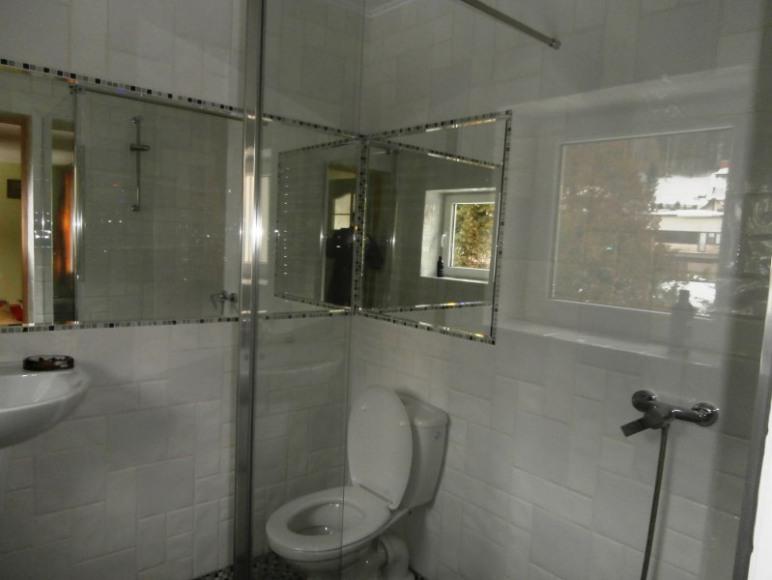 łazienka dla pokoi nr 2,3