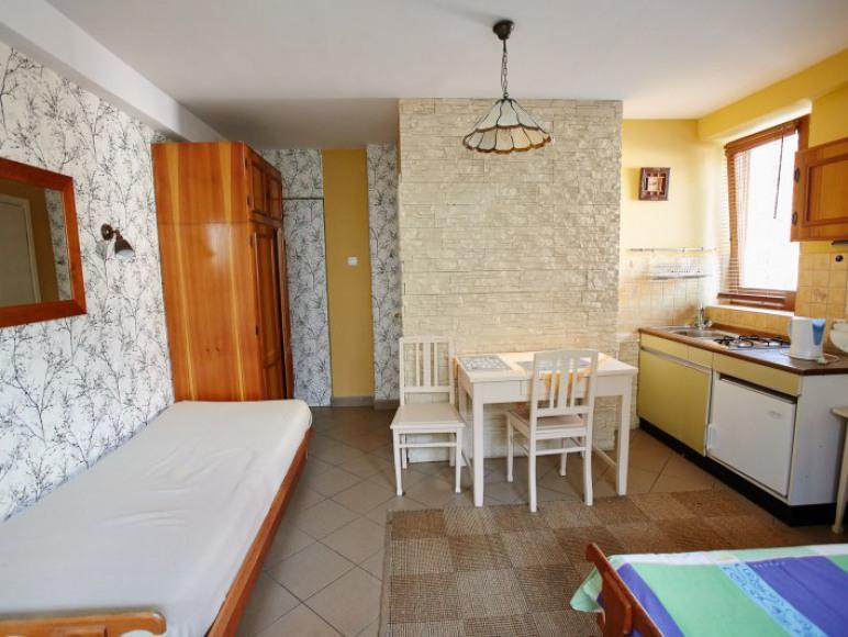 2 osobowy pokój z łaziennką i aneksem kuchennym