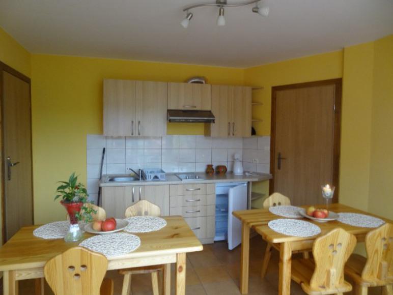 kuchnia przy pokojach trzyosobowych