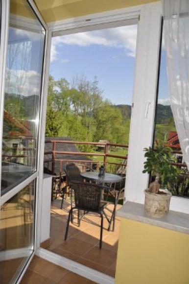 wyjście na balkon z kuchni
