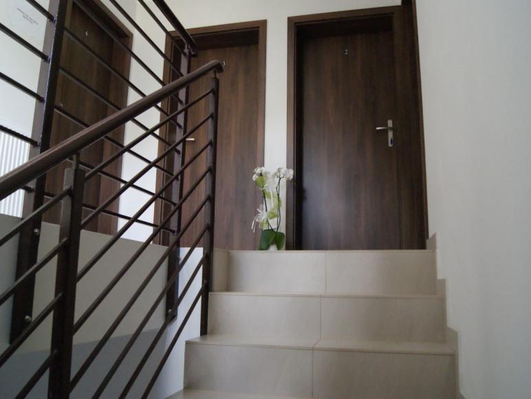 Pokoje gościnne i domki drewniane