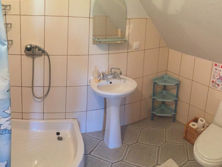 Łazienka pokoju gilebiego