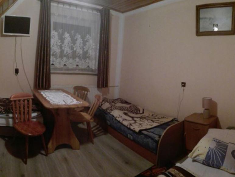 pokój nr 5 - 3 lub 4 osobowy