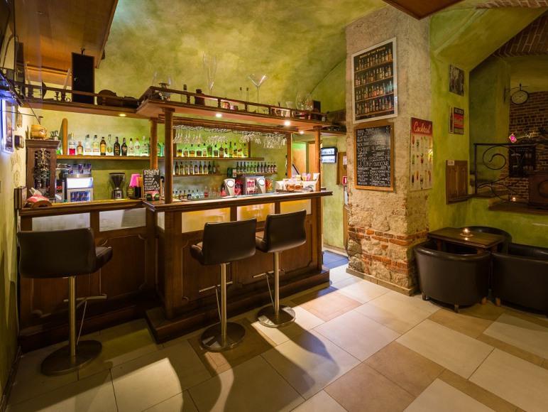 Faust Pub w podziemiach Hostelu