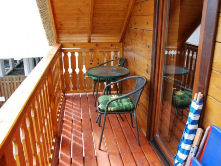 Balkon przy pokojach