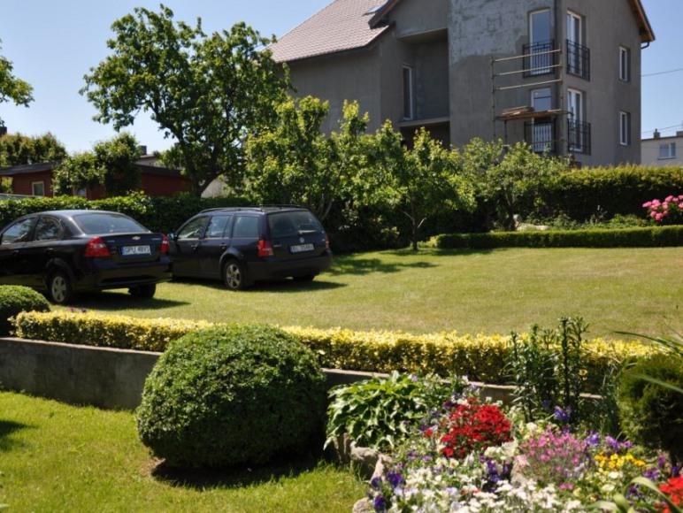 Parking na terenie obiektu.
