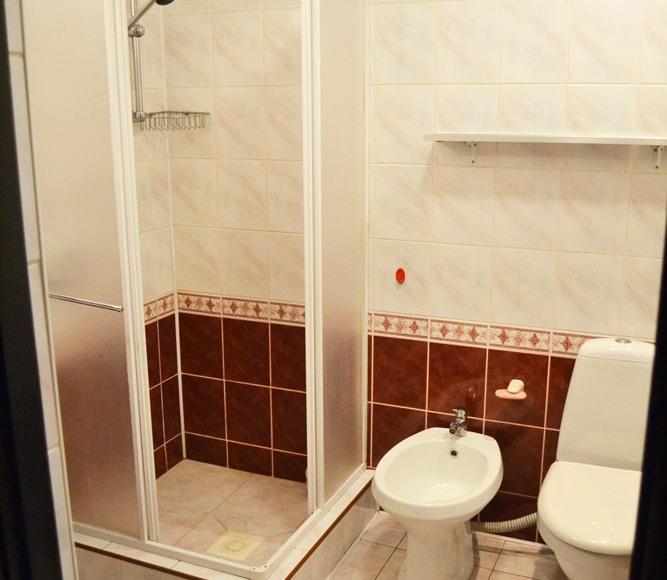 łazienka pokoj 2i3 osob.