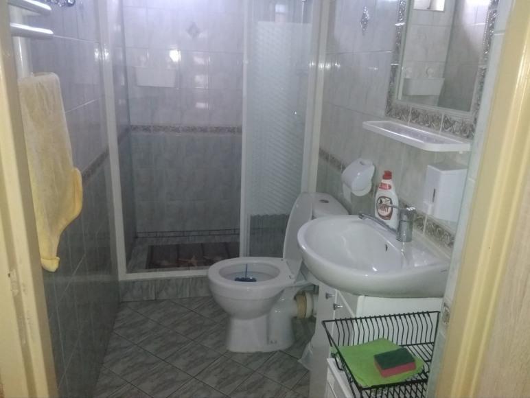 Łazienka pokój z balkonem