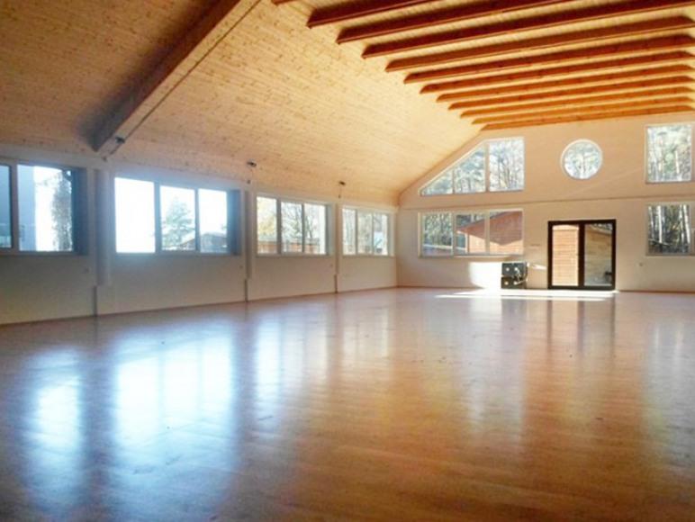 Sala 235 m2