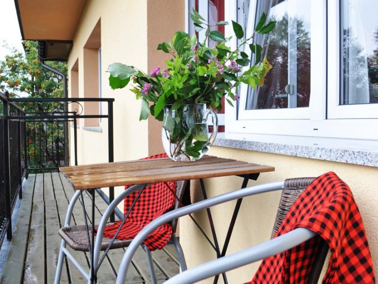 Na balkonie można odpocząć i popatrzeć na Tatry :)