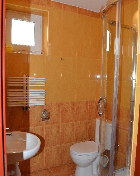 Zajazd na Królewskiej - łazienka pokoju standard