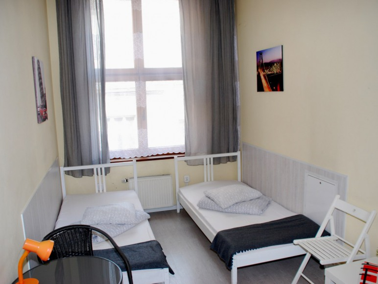 Hostel Rynek 7 Katowice - pokój 2-osobowy