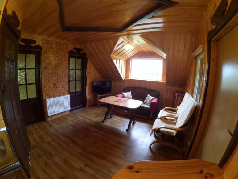 Salon w 2 domku