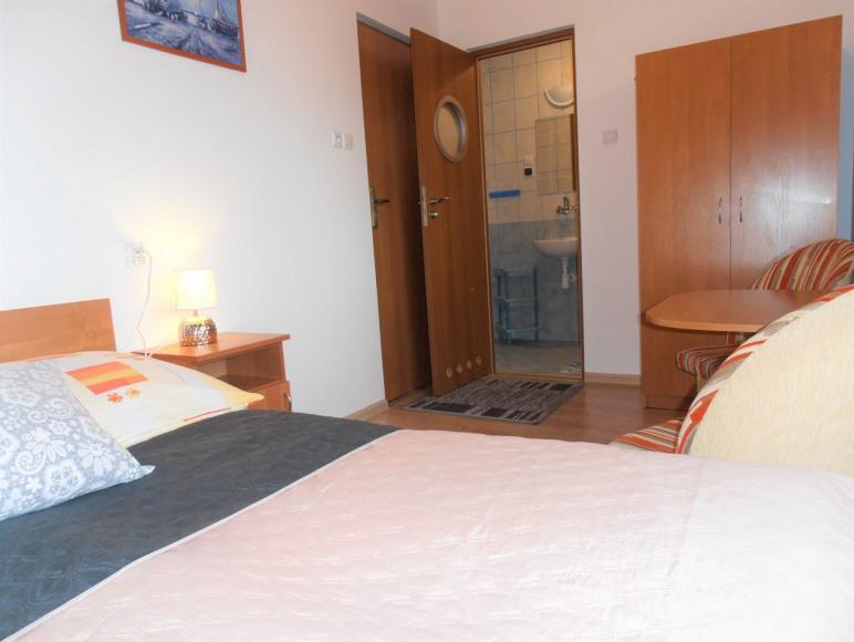 pokój nr 8 (2-os. z łazienką)