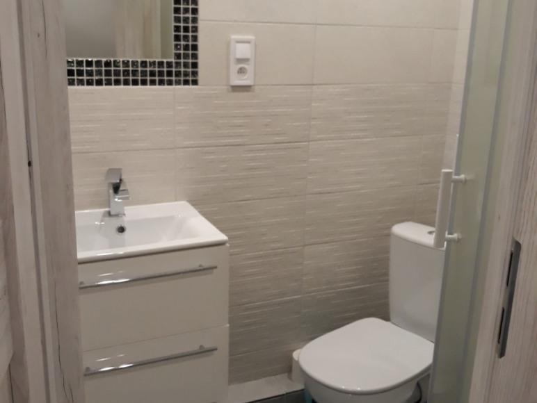 łazienka w pokoju 2 os