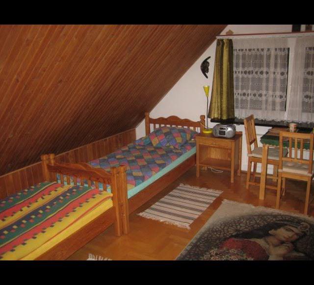 pokój 3 - osobowy ze skosami
